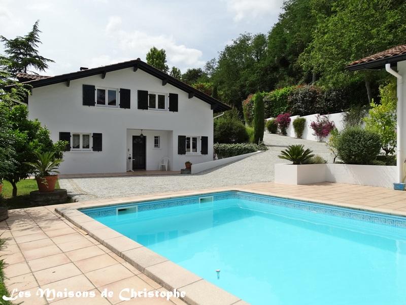Vente maison villa proche d 39 ustaritz 64480 for Piscine ustaritz